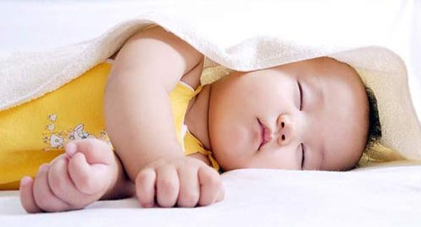 Bật điều hòa cho trẻ sơ sinh như thế nào là tốt nhất?