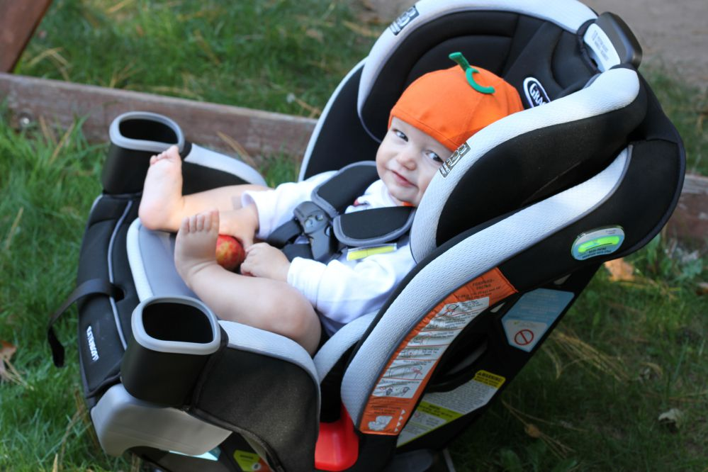Ghế ngồi ô tô trẻ em Graco CS Extend2Fit 3N1