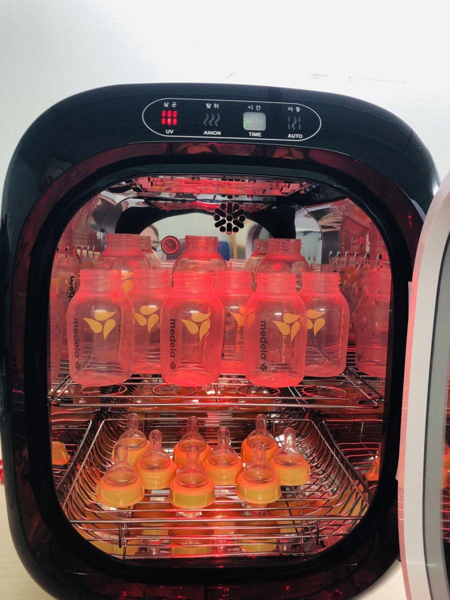 Máy tiệt trùng sấy khô khử mùi bằng tia UV Ecomom ECO-100 Pro Màu đỏ