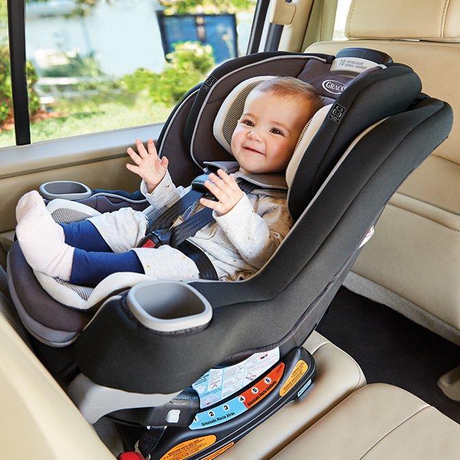 Những lợi ích của việc gắn ngược ghế ngồi xe hơi trẻ em là gì?