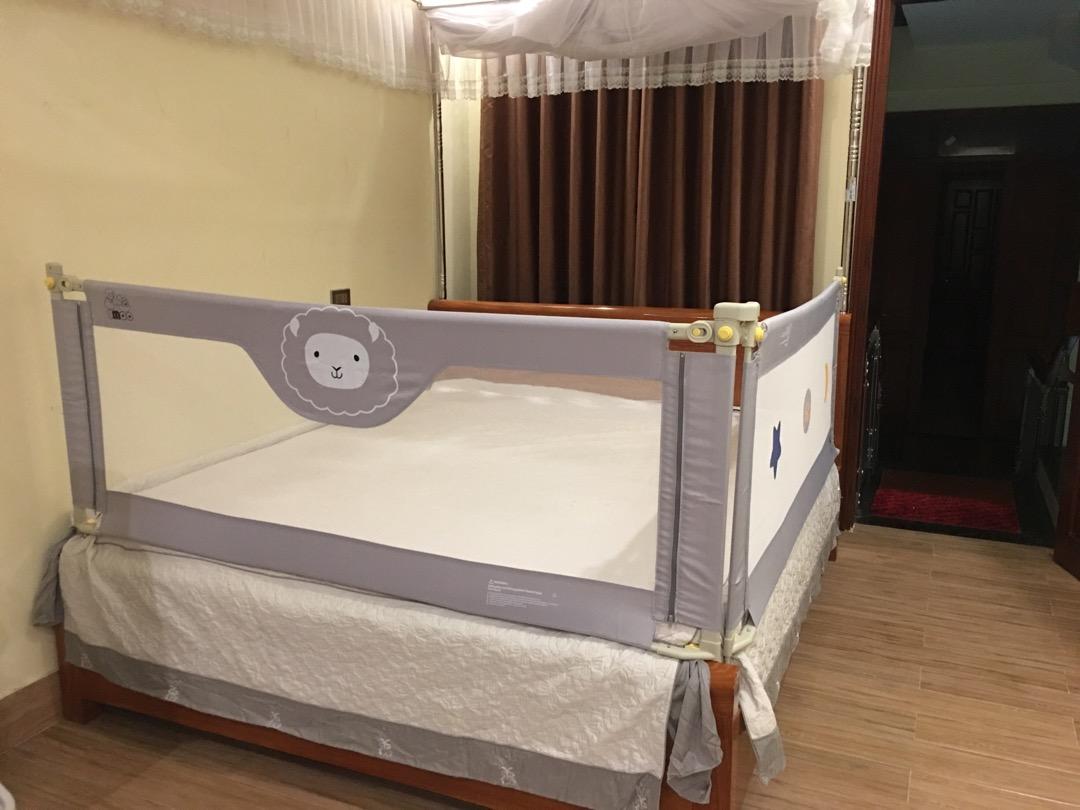Thanh chặn giường cao cấp Umoo 1m8 x 2m Umoo mẫu mới nhất 2020