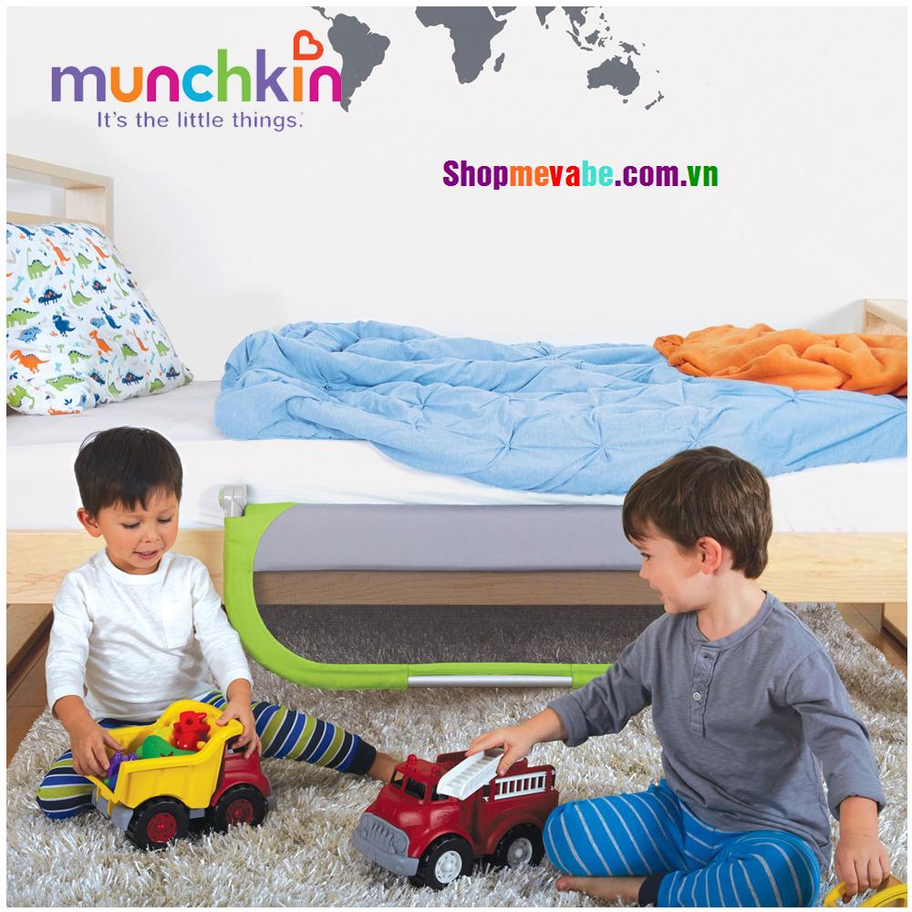 Thanh chặn giường Munchkin - Xanh lá - MK44147