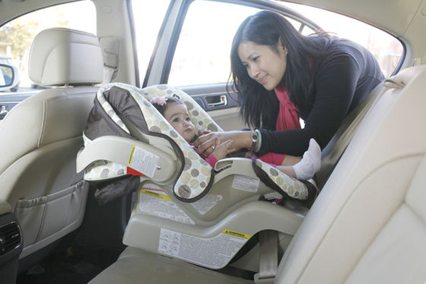 Ghế ngồi ô tô cho bé đóng vai trò rất quan trọng