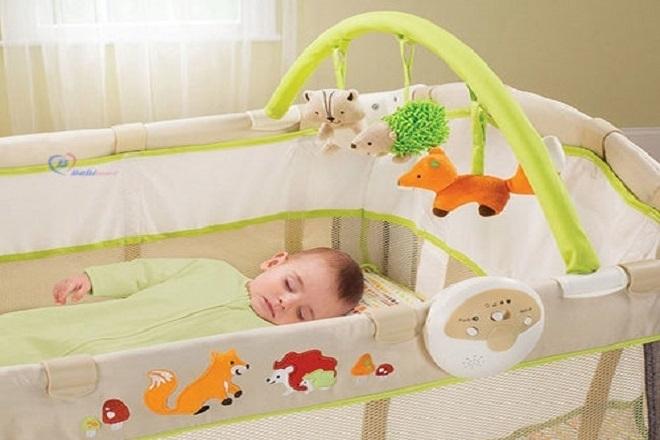Nôi cho trẻ sơ sinh cần được tích hợp nhiều chức năng.