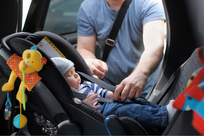 Chăm con dễ dàng hơn nhờ ghế ngồi ô tô cho bé.