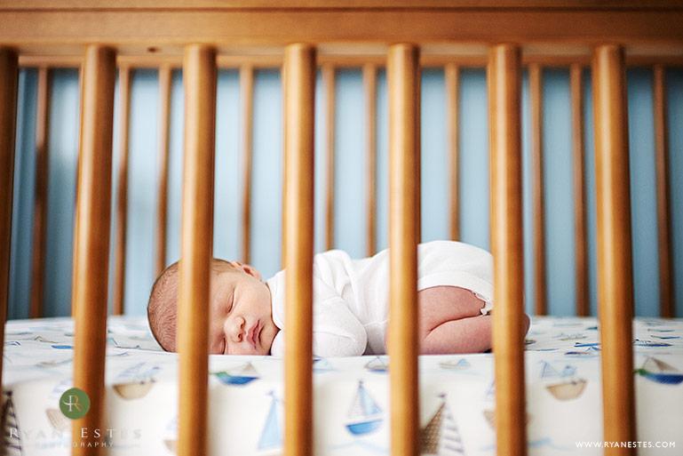 Đảm bảo an toàn là lợi ích của giường cũi.
