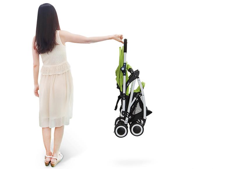 Hướng dẫn gấp mở và vệ sinh xe đẩy em bé.