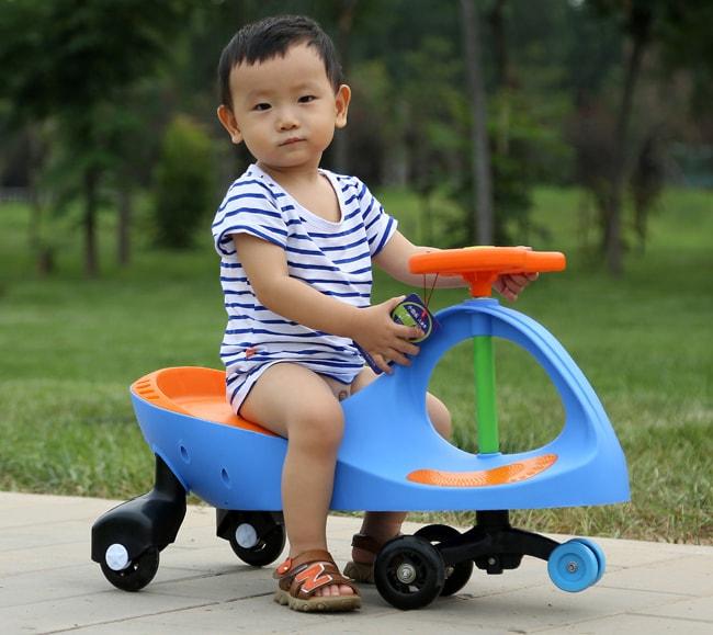 Mua xe lắc cho trẻ cần phải có xuất xứ nguồn gốc rõ ràng.