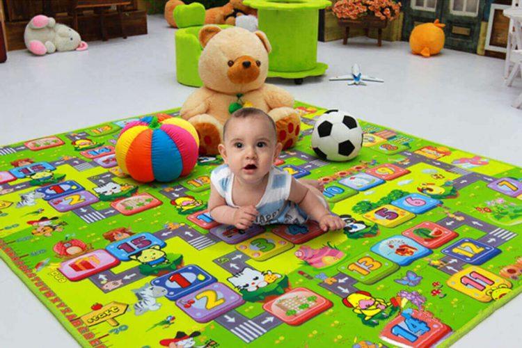 Tác dụng của thảm nằm chơi cho bé.
