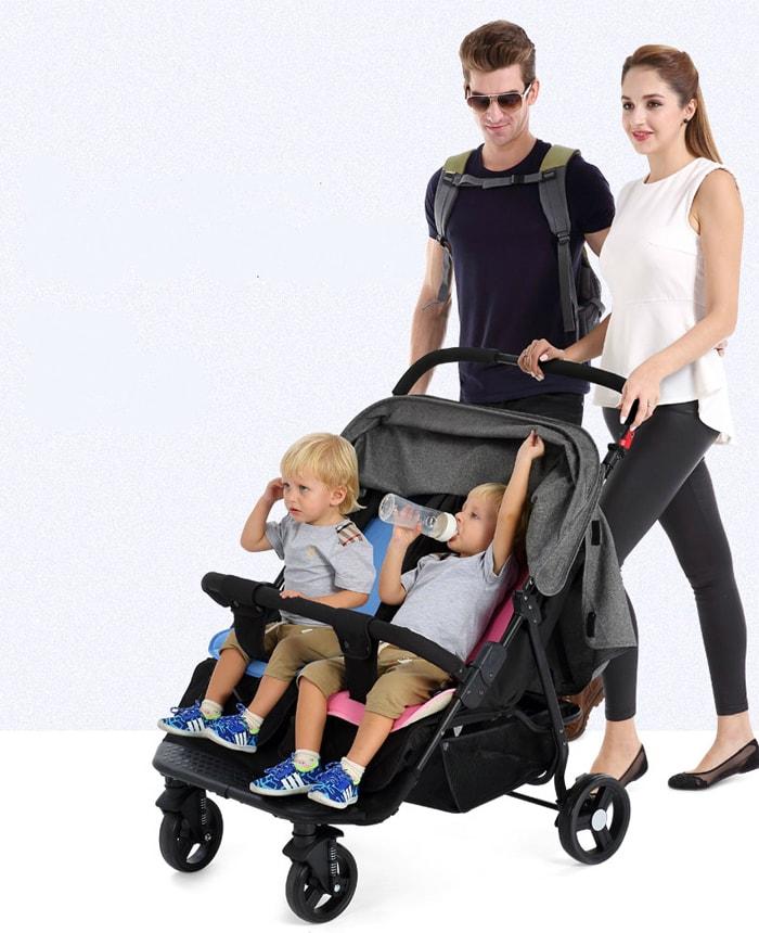 Xe đẩy đôi cho bé đi chơi an toàn
