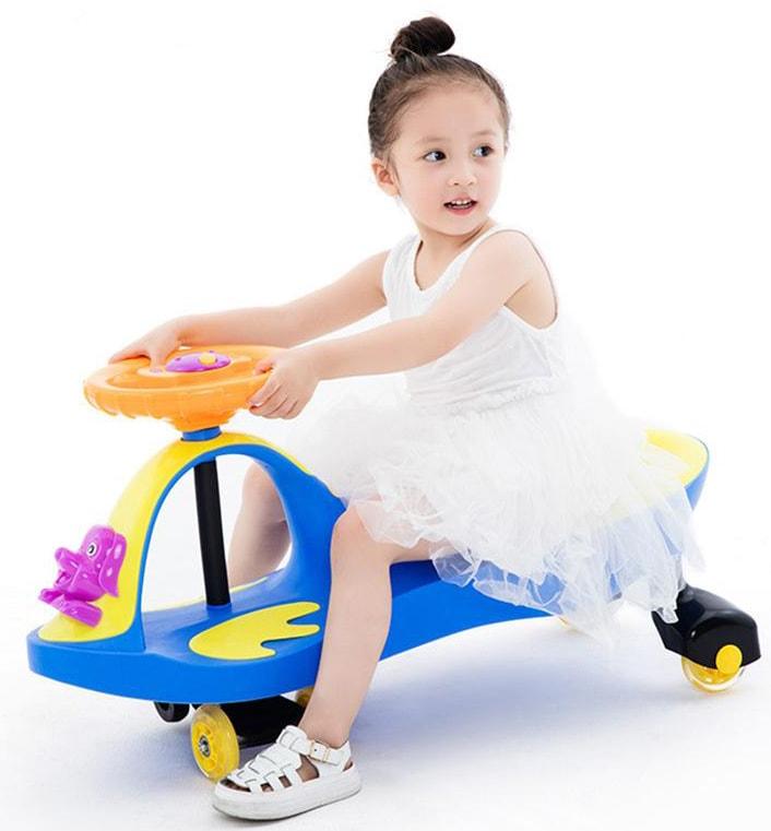 Xe lắc giúp bé nhanh nhẹn, linh hoạt hơn.